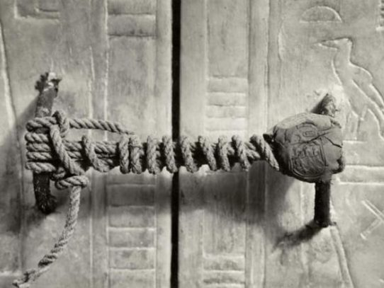 Tomb of Tutankhamen was securely closed for more than 3 000 years