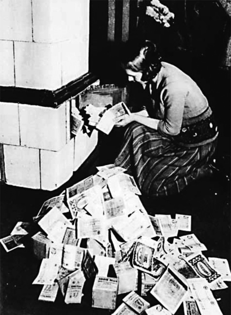 Yes, German banknotes could be used at the fireplace in 1920s