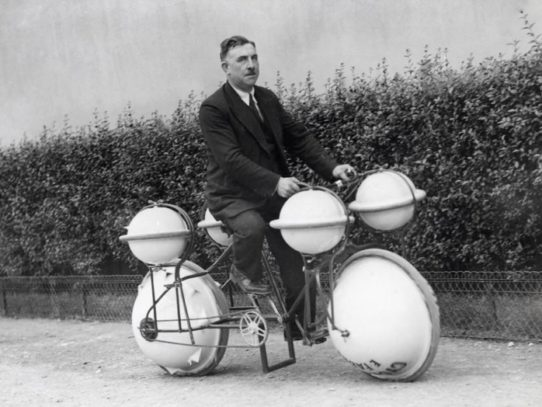 The Cyclomer - world`s first amphibious bike, Paris, 1932