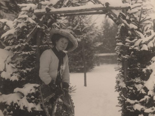 A Woman with Snowshoes, 1909