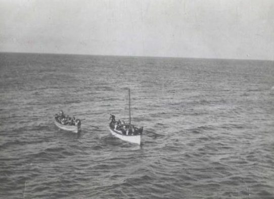 Titanic survivors on lifeboats, 1912