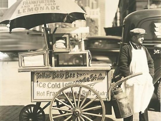 Hot dog cart, New York, 1936