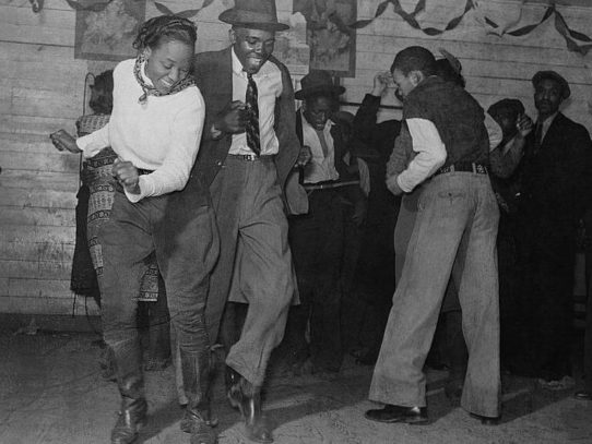 Jitterbugging on a Saturday evening, Mississippi, 1939