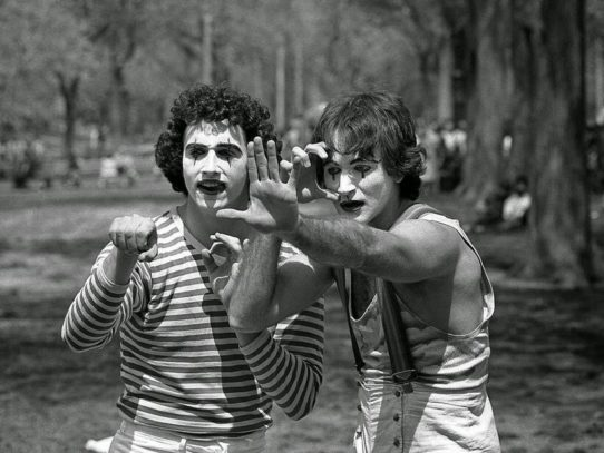 Robin Williams as a mime, New York City, 1974