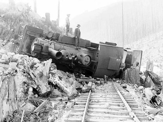 Wrecked locomotive on the Great Northern Railway, 1926