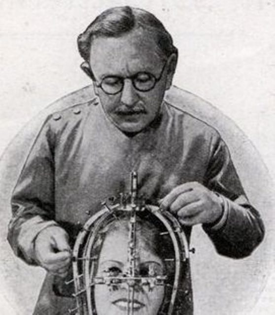 Max Factor beauty micrometer