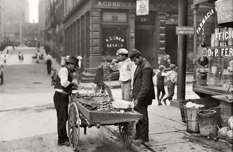 clam sellet, NYC, 1905