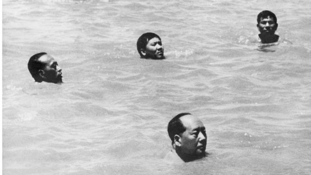 swimming mao zedong