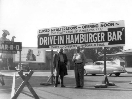 McDonald's brothers opening their first restaurant, 1948