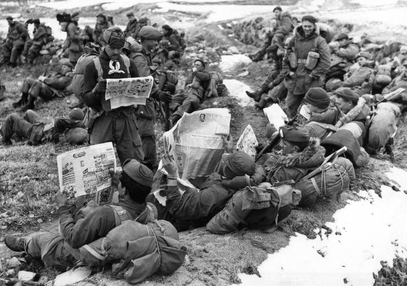 photo of canadian soldiers during the Korean war