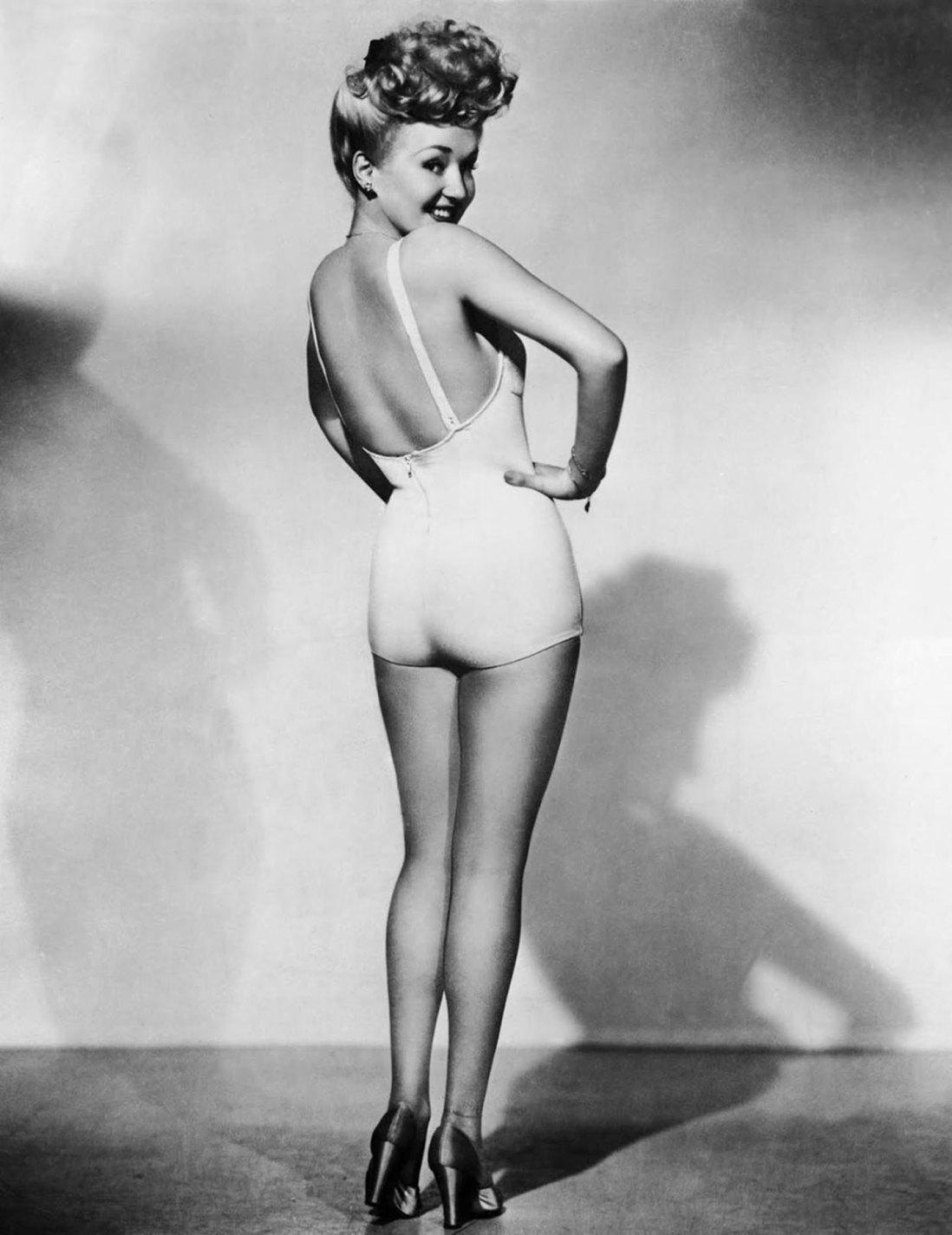 Betty Grable, Frank Powolny, 1943