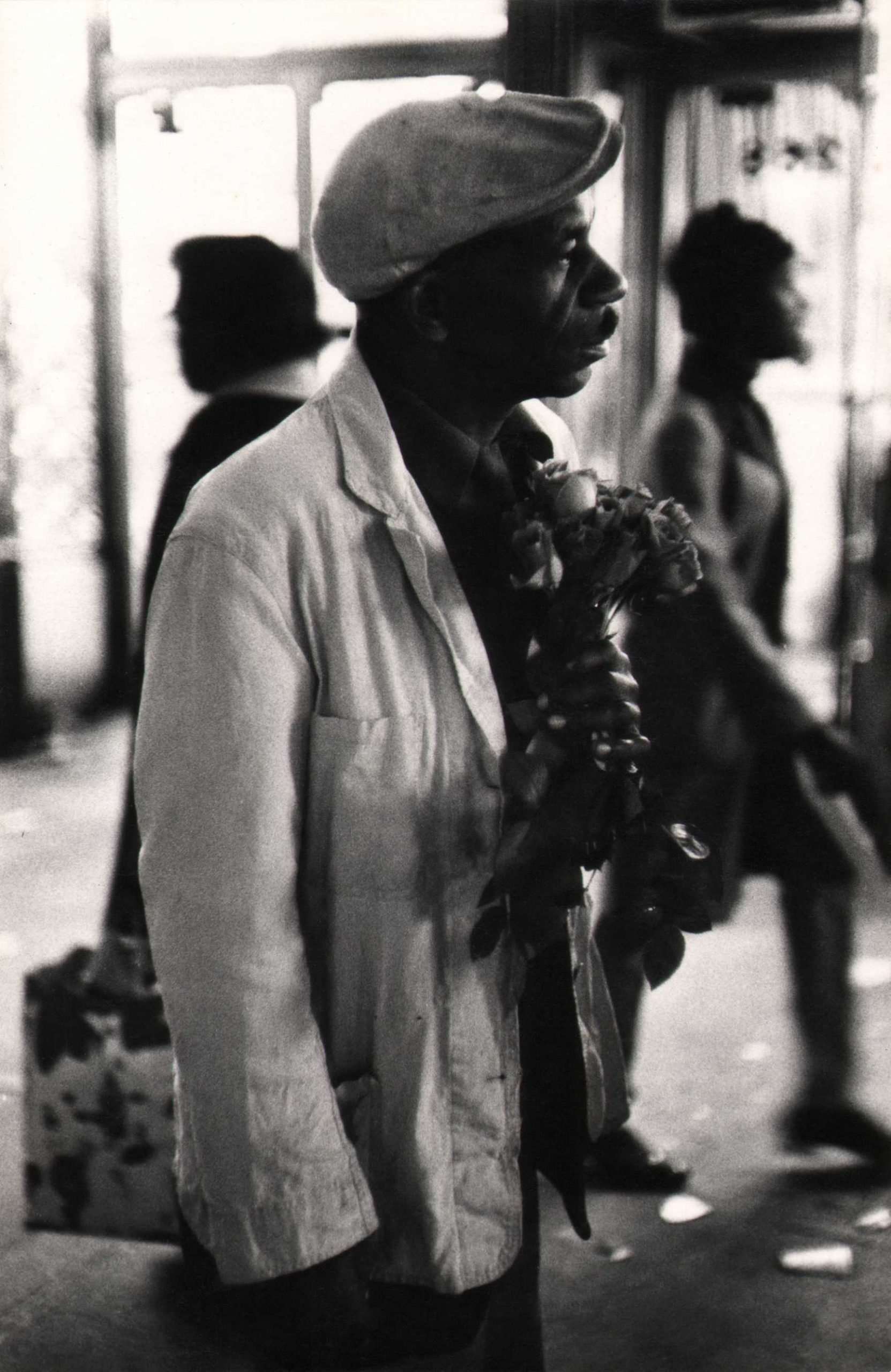 Beuford Smith, Man with Roses, 125th Street