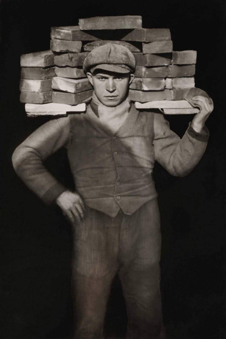 Bricklayer, August Sander,1928