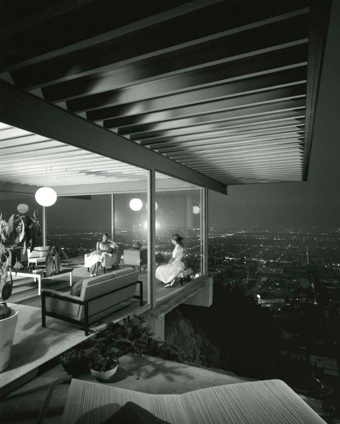 historical photos of Case Study House no. 22, Los Angeles, Julius Shulman, 1960