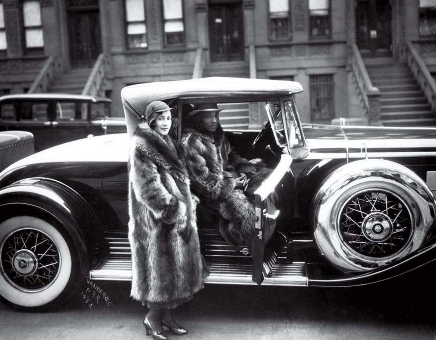 history photo Couple in Raccoon Coats, James VanDerZee, 1932