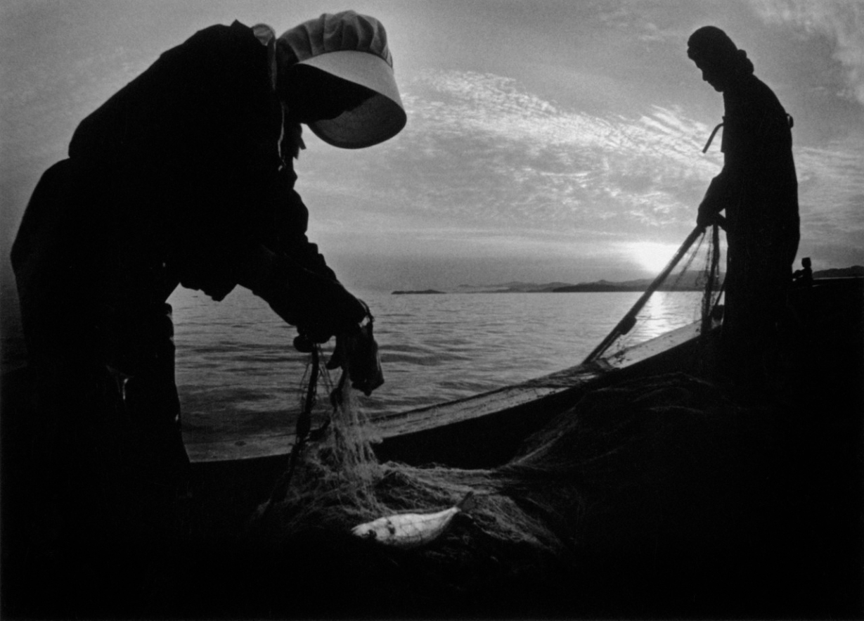 Fishermen. Minamata Bay, Japan. 1972