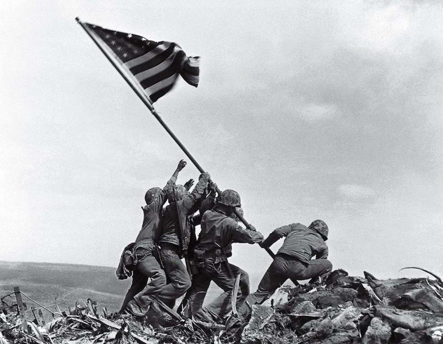 Historic photo: Flag Raising on Iwo Jima, Joe Rosenthal, 1945