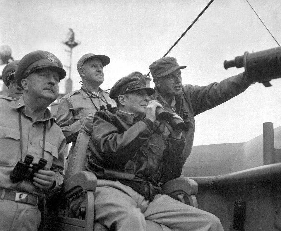 General Douglas MacArthur Korea