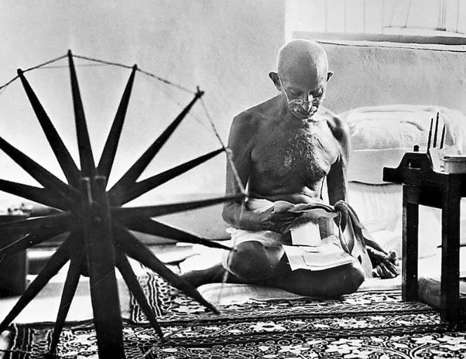 Mahatma Gandhi before death, Henri Cartier-Bresson photos