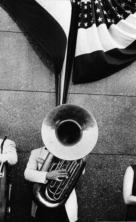 Parade in Jersey, Frank Robert