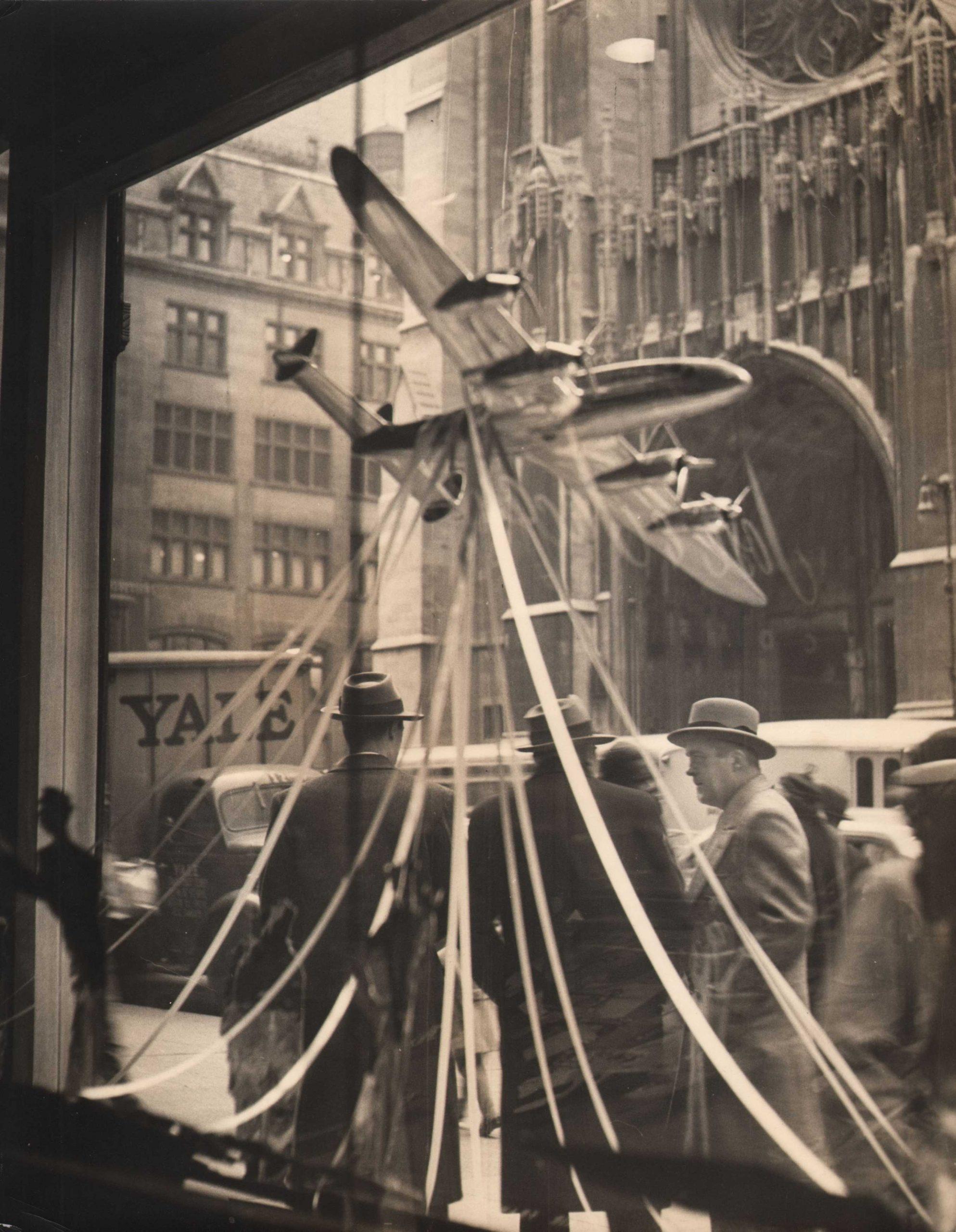 Simpson Kalisher, The shining airplane, c. 1948