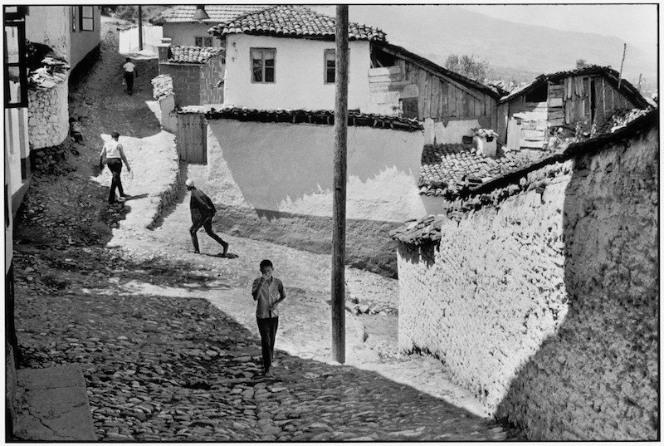 Yugoslavia in Henri Cartier-Bresson photos