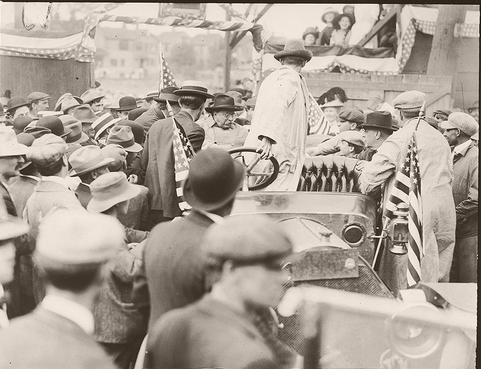 Colonel Roosevelt speaking at Bound Brook, New Jersey
