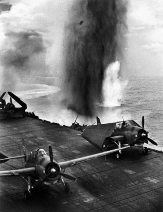 Pacific campaign during WW2. American air-raid against the Island of Rabaul.