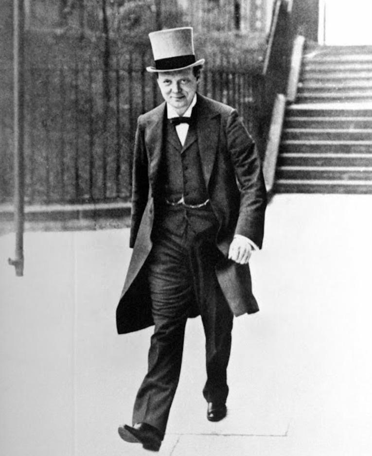 Winston Churchill walking towards ministry building, 1916