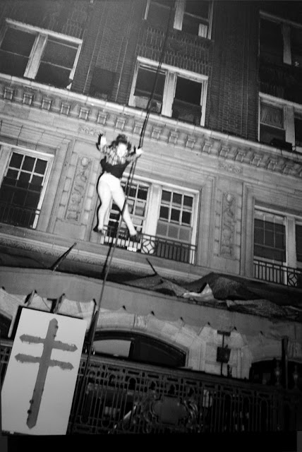 Pulitzer prize photos of a Woman leaping from burning Winecoff Hotel (1947)