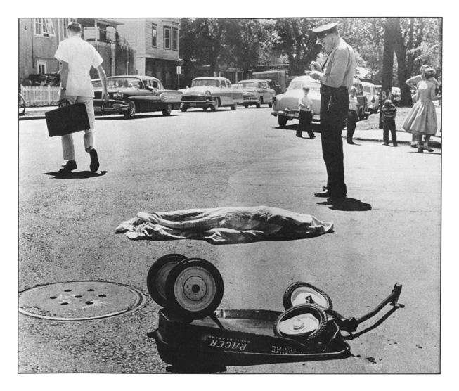 William Seaman for his dramatic photograph of the sudden death of a child in the street