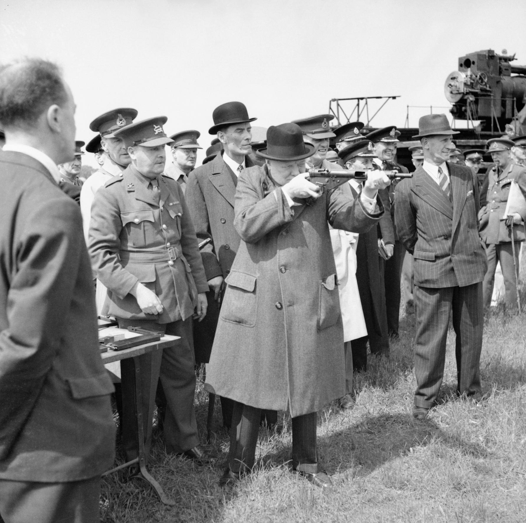 Winston Churchill aims his Tommy Gun, 1940