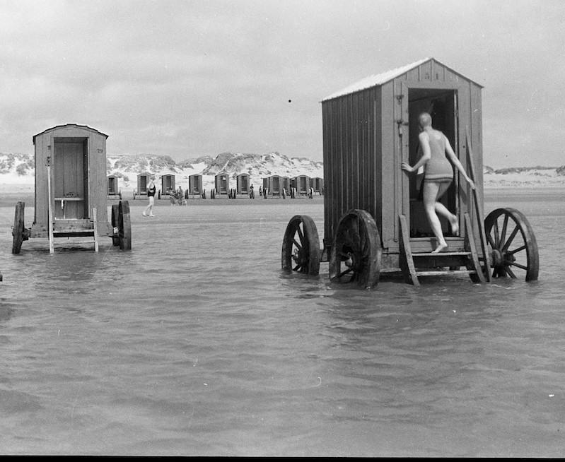 bathing machine victorian era England