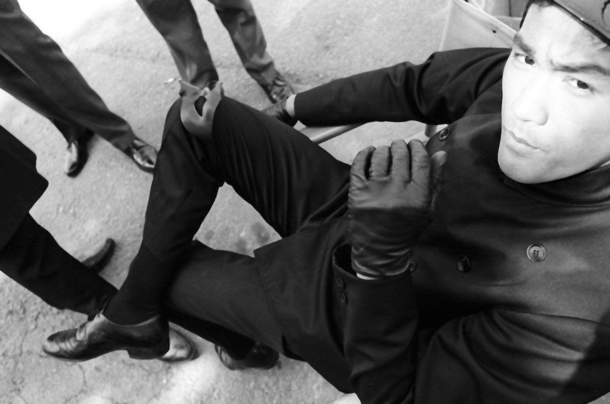 Bruce Lee took the mask off between the scenes
