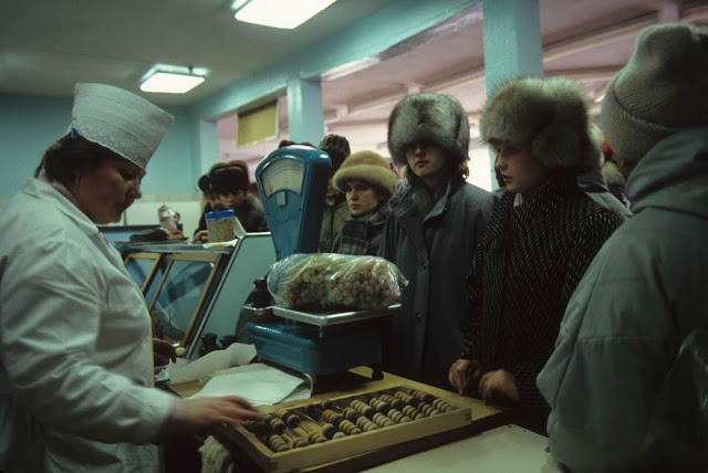 A food store in Russia, 1990s