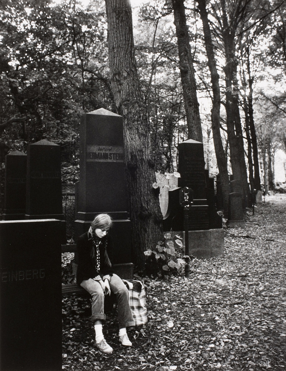 A girl at the Weissensee Jewish cemetery in East Berlin, 1979.