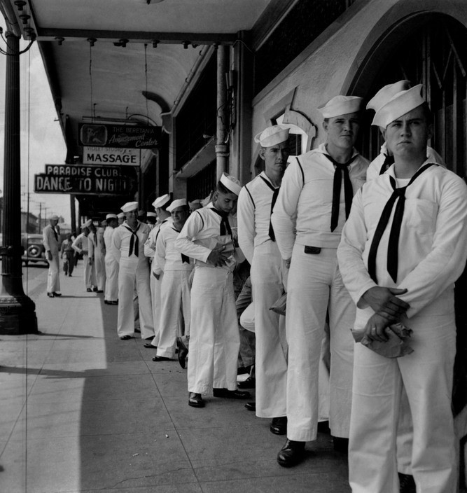 A queue to the bar