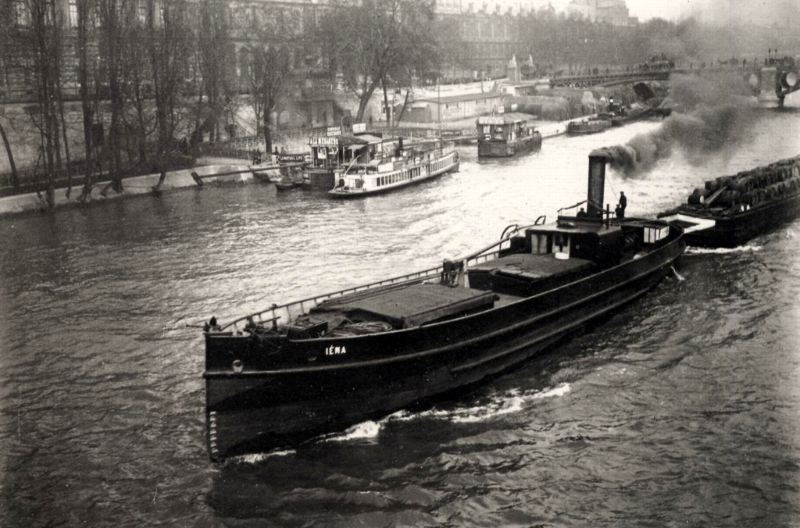 A ship in the waters of Sienne