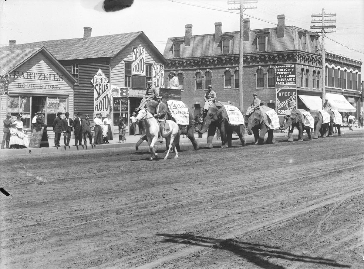 Circus Procession, Kearney, Nebraska, 1908.