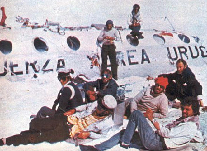 Guys tried to make the plane better noticeable by cleaning the plane from snow. November 4, 1972