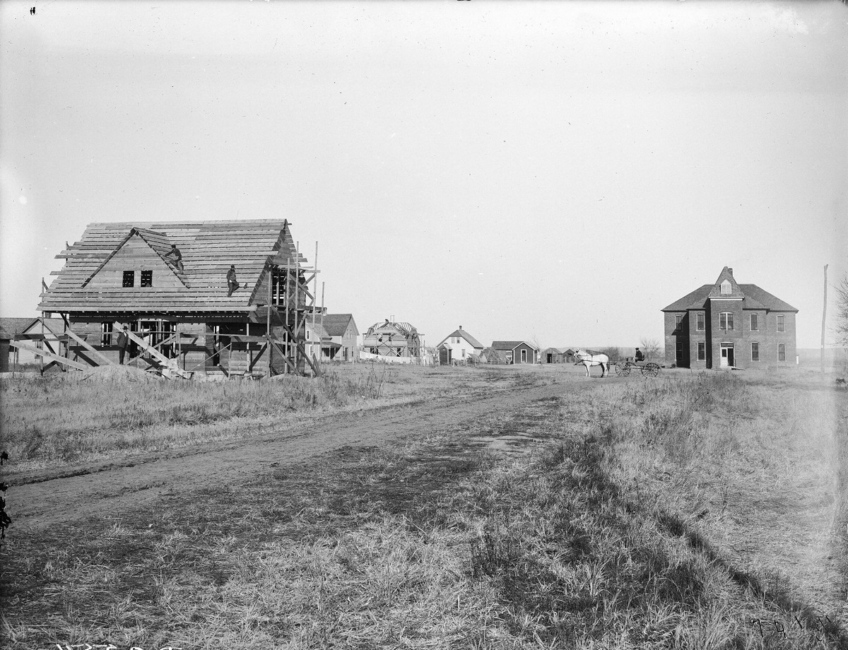 Construction of a two-story home, Overton, Nebraska, 1904.
