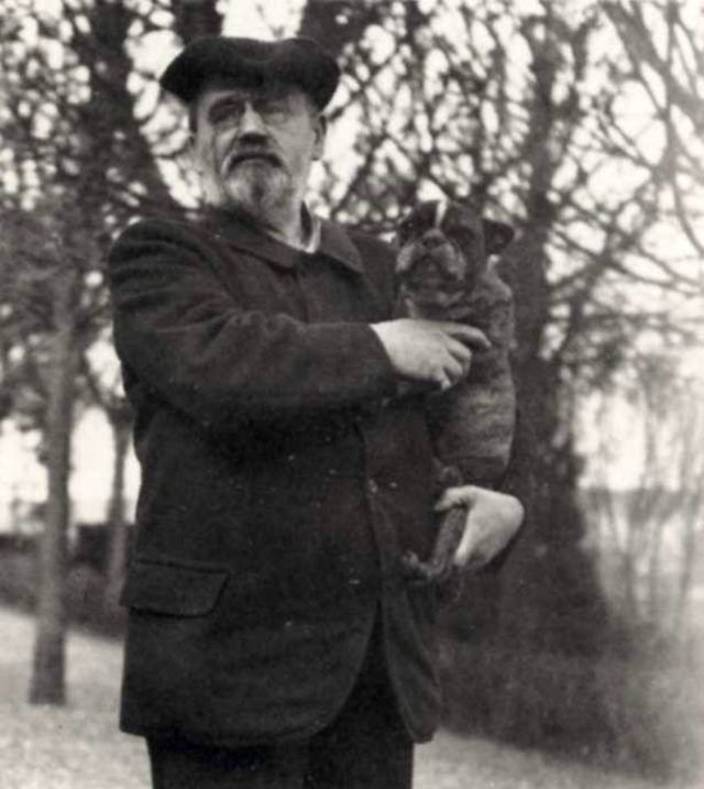 Emile Zola with his dog