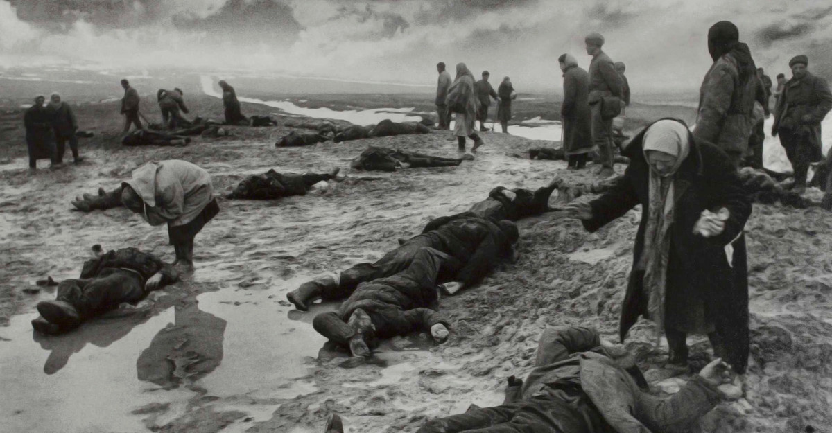 Grief. One of the best-known WWII pictures by Dmitri Baltermants.