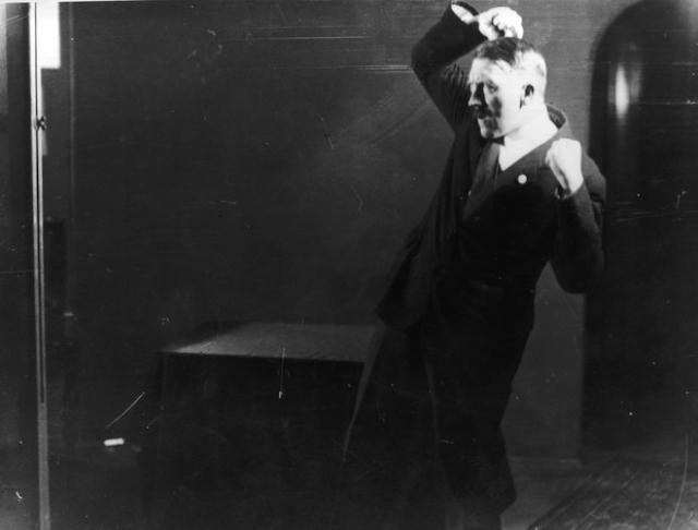Hitler trains body language