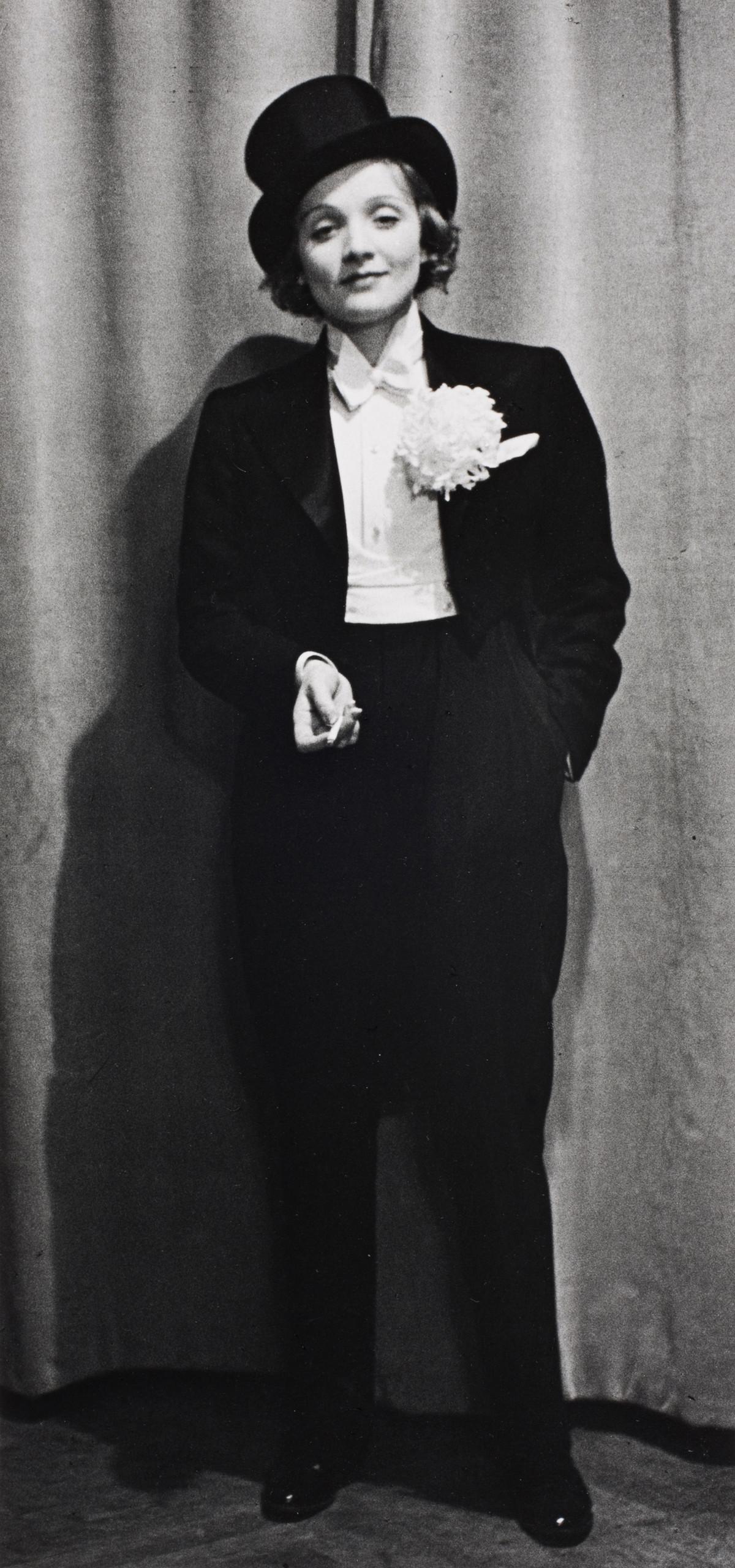 Alfred Eisenstaedt photos of  Marlene Dietrich, Berlin, 1929.