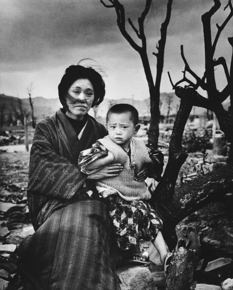Mom and child in Hiroshima, Japan, December 1945.
