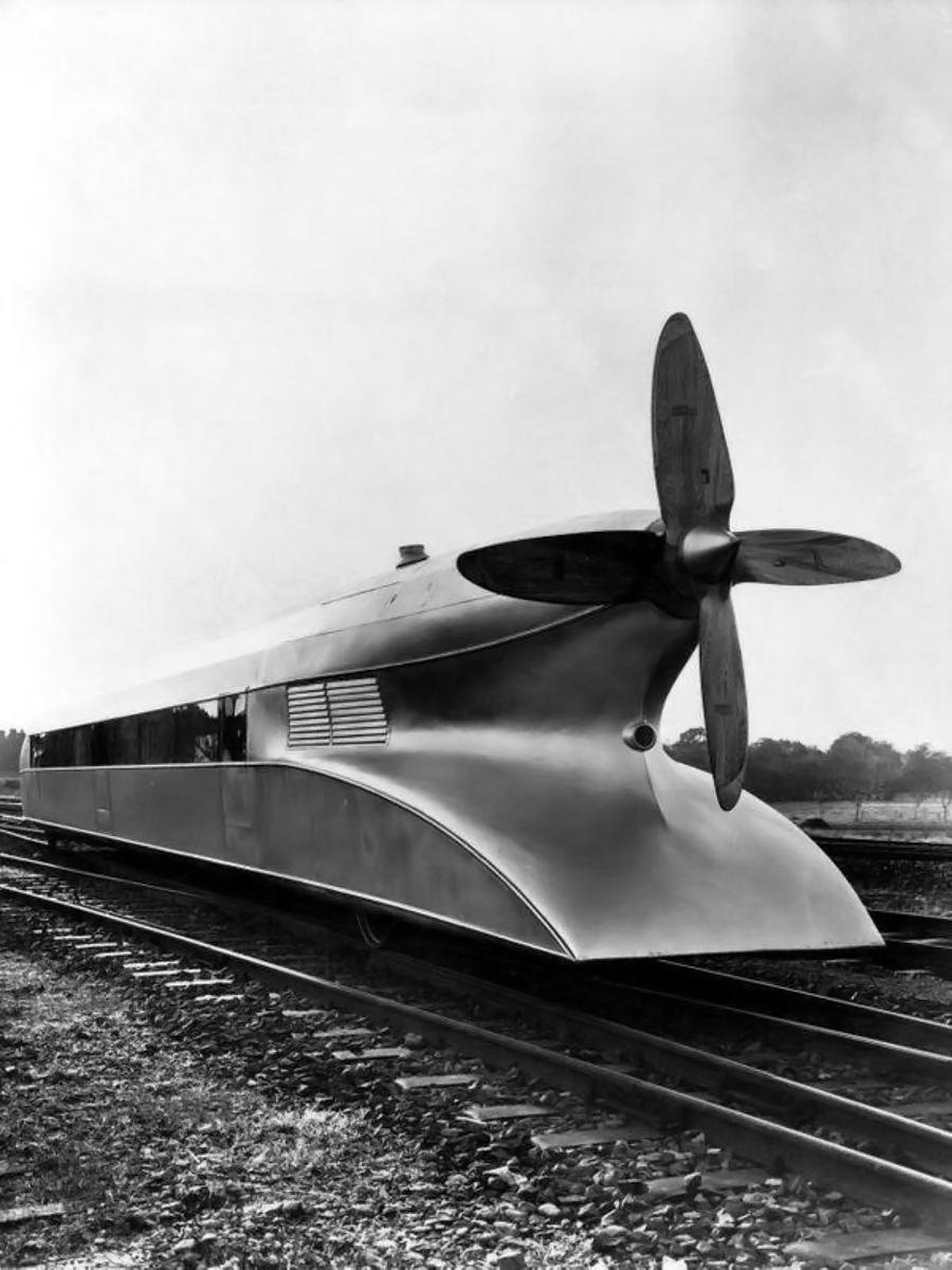 Schienenzeppelin had an extremly futuristic design