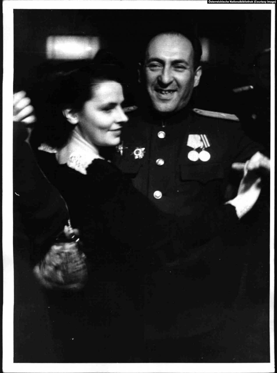 Soviet officers dancing
