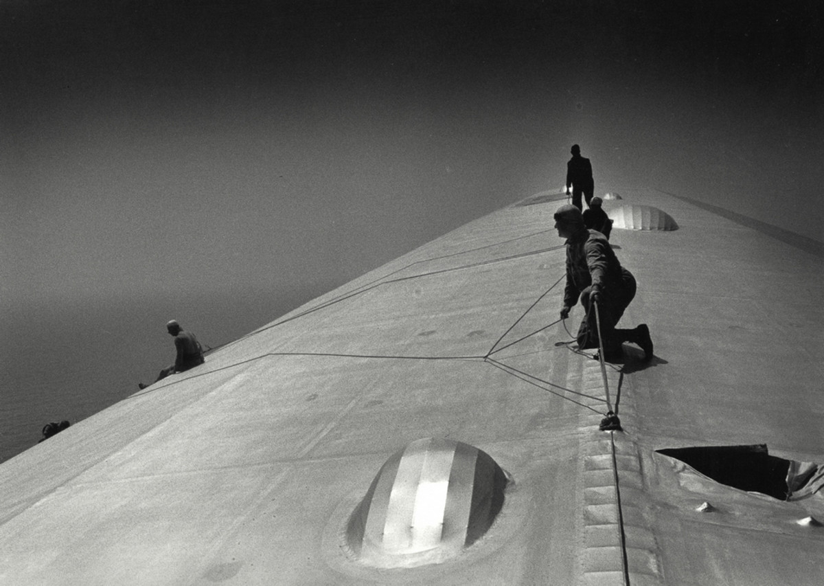 The hull of the German airship Graf Zeppelin, renovated over the South Atlantic, 1933.