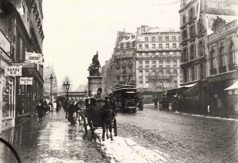 The mud on the streets of Paris